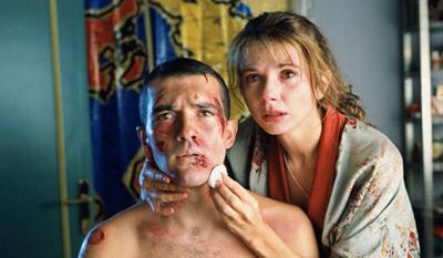 Antonio Banderas e Victoria Abril in Légami! (¡Átame!) 1990