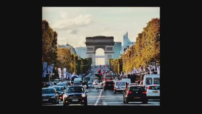 Il viale degli Champs-Élysées fino all'Arc de Triomphe de la place Charles de Gaulle, Parigi