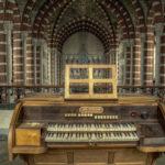 Verlaten klooster met kerk