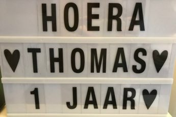 Thomas is 1 jaar