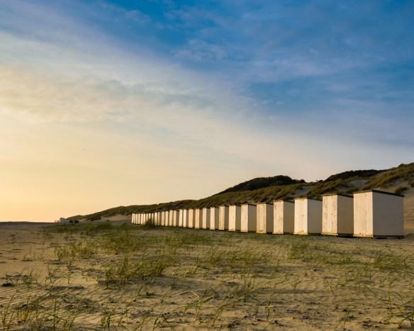 Zonsondergang op het strand in Westerschouwen