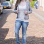 Skinny jeans en een top via Zalando