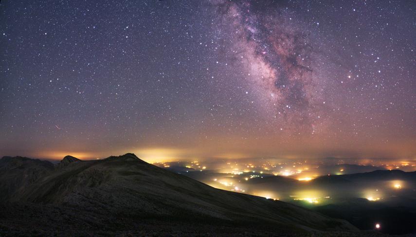 Yazı: Kaybolan Karanlık: Işık Kirliliği   Yazan: İlhan Vardar