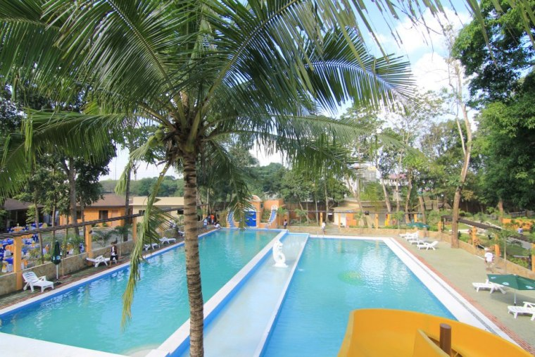 Cavite Accommodation Hotels Water Parks And Resorts With Public And Private Pools Senyor