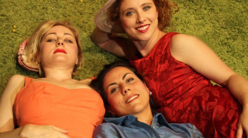 Di and Viv and Rose per la regia di Antonio Serrano di Amelia Bullmore