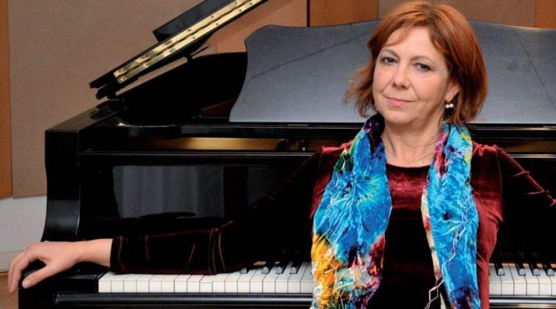 Stasera, in piazza Mazzini, alle 21.15 al CalviFestival, è in programma il concerto di Rita Marcotulli, compositrice e pianista jazz di fama mondiale che ha al suo attivo collaborazioni internazionali, vincitrice del Premio Top Jazz 2011 come migliore artista del jazz italiano.