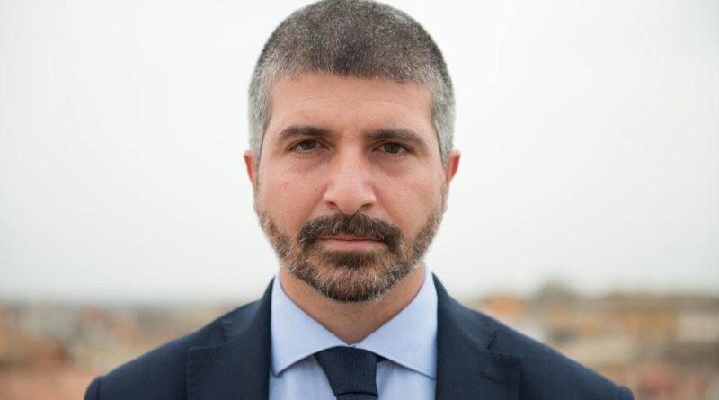 Simone Di Stefano diventa segretario di CasaPound Italia. La nomina, decisa dal presidente del movimento Gianluca Iannone, è operativa da oggi.