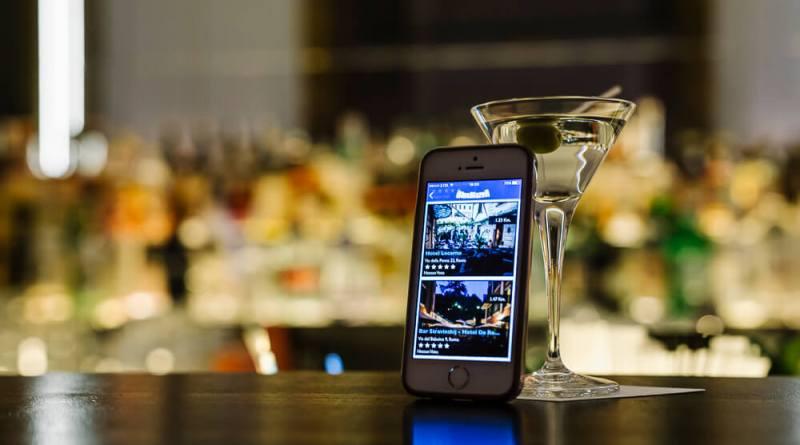 """Nasce la nuova app gratuita """"Guida ai migliori cocktail bar d'Italia"""", selezionati dalla rivista specializzata BlueBlazer. Gratis e senza sponsor."""