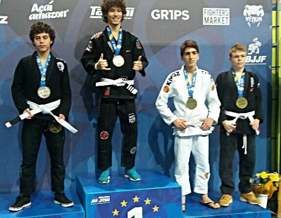 Il giovani atleta di San Giovanni Teatino ha vinto il bronzo ai campionati di LisbonaInternational Brazilian Jiu-Jitsu Federeation.Oltre 4 mila atleti iscritti all'IBJJF in tutto il mondo.