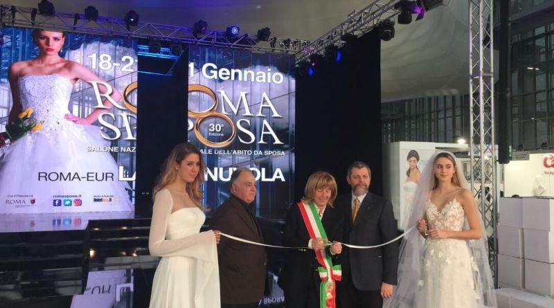 Inaugurata RomaSposa 2018 a La Nuvola.Fino al 21 gennaio, la 30a edizione della manifestazione con tutte le novità del wedding.Grande l'interesse di pubblico e Istituzioni presenti al taglio del nastro.