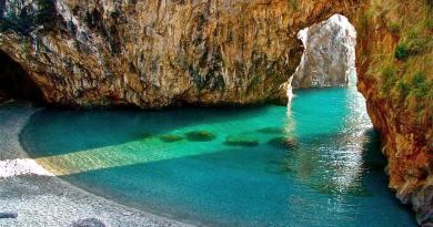 La Calabria, terra selvaggia e bellissima, è ogni anno una delle Regioni italiane più visitate dai turisti nazionali ed internazionali