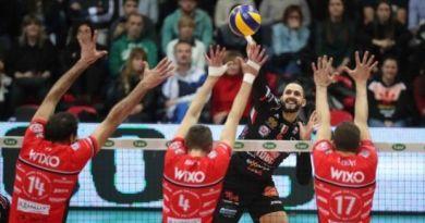 Con un 3-2 al Pala Banca di Piacenza, la Cucine Lube Civitanova conquista la Semifinale Scudetto, e si prepara ad affrontare il Modena.