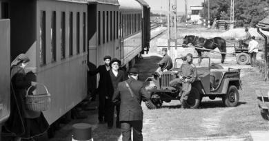 1945, spledido e coinvolgente film del regista unghereseFerenc Török tratto dal racconto Homecoming dello scrittore ungherese GáborT.Szántó.