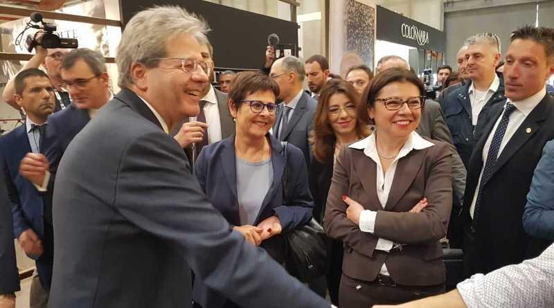 A Vinitaly 2018 è subito successo per lo stand e la Terrazza Marche, con migliaia di presenze, tra cui quella del Presidente del Consiglio Paolo Gentiloni.