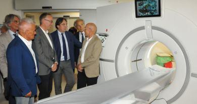 Inaugurata questa mattina la nuova Tac Revolution, presso gli Ospedali Riuniti di Ancona, che potrà contribuire a ridurre, entro il 2018, del 20 - 30% i tempi di attesa e di processo al pronto soccorso.  