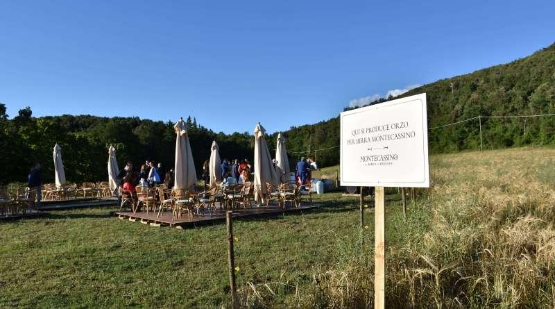 I terreni di proprietà dell'Abbazia di Montecassino tornano in attività grazie a Daniele Miri, al supporto di Birra Peroni per la produzione della Birra e di Mieli Thun per un miele del territorio.
