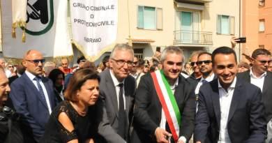Questa mattina Ceriscioli ha inaugurato una scuola materna a Fabriano, frutto di una ricostruzione finanziata interamente con soldi pubblici.