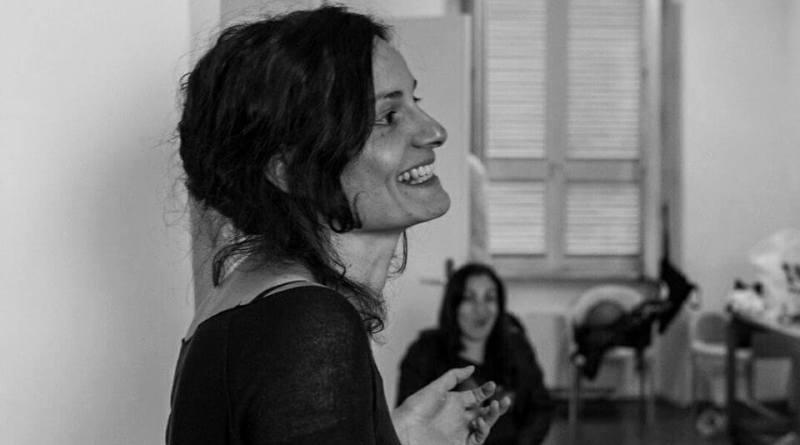 """Sta per alzarsi il sipario al Teatro India – Teatro di Roma per """"Famiglia"""". Incontriamo la regista e drammaturga Valentina Esposito"""