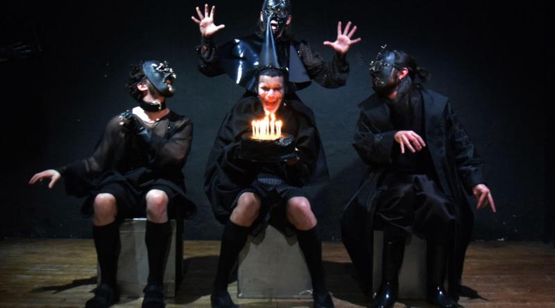 Il giovane Riccardo uno spettacolo di particolare intensità liberamente ispirato al Riccardo III di Shakespear. Dal 12 al 14 febbraio, Teatro Porta Portese
