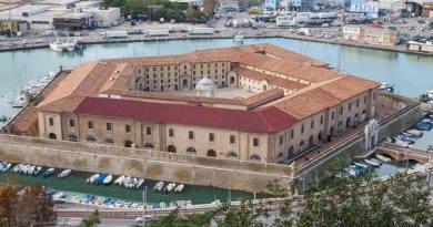 Venerdì 8 marzo, presso la Mole Vanvitelliana di Ancona, dalle 9.30, si svolgerà l'evento Closing the loop – Promuovere l'economia circolare nelle Marche.