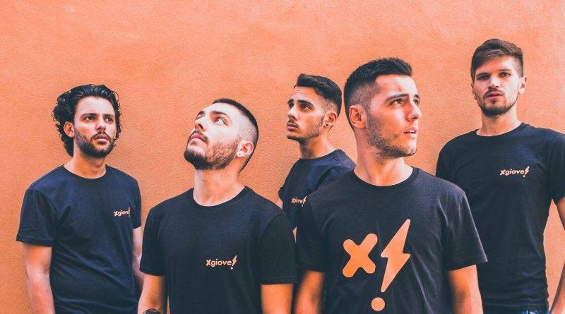 Fra pop, elettronica, rap e indie, nasce il primo progetto discografico dei Xgiove 5, giovanissimi musicisti marchigiani.