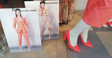Sandro Ferrone, festeggia il trentesimo compleanno della boutique di via Nazionale con una collezione limited edition corallo.