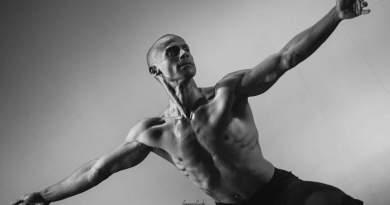 Lunedì 27 maggio, ore 20. Individualità Complesse. Dedicato a Giorgia Brixel. Coreografie di Alex Atzewi con Amilcar Moret Gonzales. Al Teatro Golden.