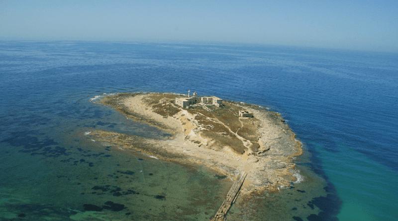 Conversazione con Paolo Menichetti, referente per il Lazio per l'Associazione ForumAmbientalista, a proposito dei numerosi annunci per Isole in vendita.