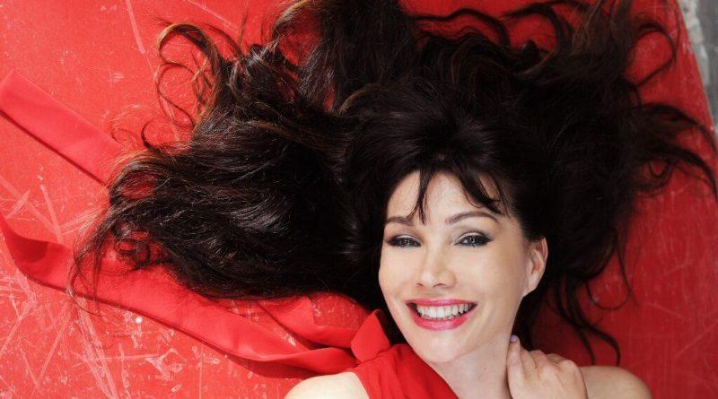 Luisa Corna torna con un nuovo singolo
