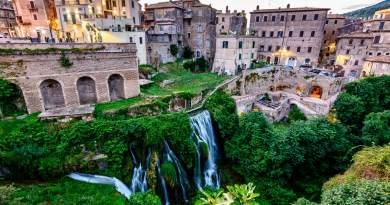 Autunno, tempo di escursioni e gite fuori porta. E cosa c'è di più bello di andare alla scoperta di luoghi magnifici, magari mai visti prima, facilmente raggiungibili da Roma?