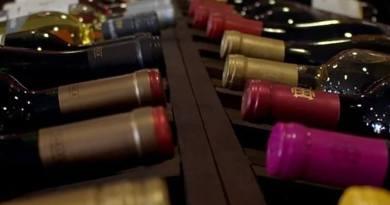 L'invecchiamento e l'affinamento del vino: quando il tempo dà grandi risultati. Gusto e Cultura enogastronomica su WebRadio SenzaBarcode.
