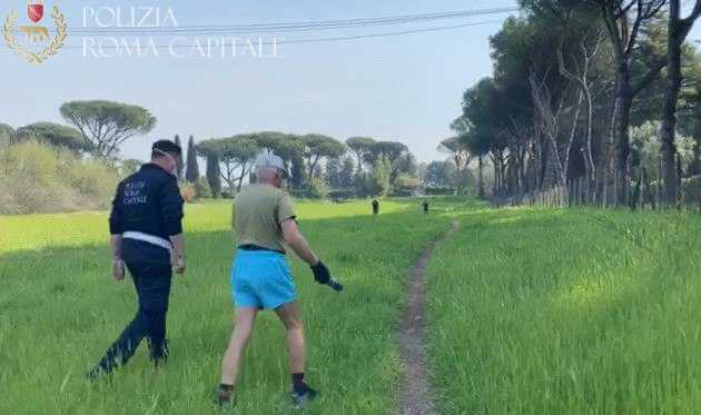 Pasquetta, 162 violazioni registrate nella giornata di ieri. Ad Ostia arrestato un ricercato, si era appartato con un cliente.