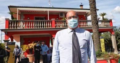 Zingaretti illustra V rapporto sulle mafie nel Lazio. L'evento si svolge in villa sequestrata ai Casamonica alla Romanina.