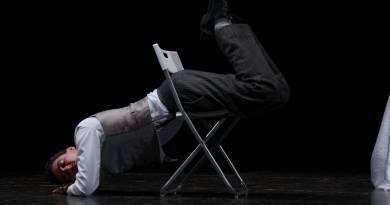In concorso per Festival Inventaria - La festa del teatro off: Oggi sposo. Quando vieni lasciato puoi sempre contare sui tuoi migliori: Tavernello, Xanax e Dott.Petrella. Intervista a Matteo Cirillo.