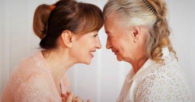 Il Caregiver ė letteralmente colui o colei che si prende cura di una persona disabile o fragile.