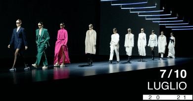 La Roma fashion week torna a sfilare dagli studi di Cinecittà. Un'edizione phygital per la nuova era del fashion.