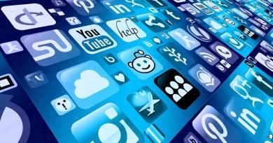La rete di internet, le sue potenzialità, le sue molteplici applicazioni ed implicazioni sono state al centro dei dibattiti sociologici ...