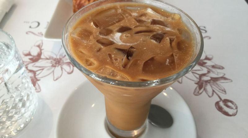 A qualcuno piace freddo: come assaporare il caffè d'estate. Tante ricette e idee per gustare la bevanda più famosa d'Italia.