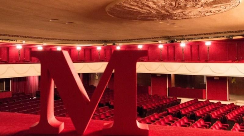 Questa nuova stagione del Teatro Manzoni è completamente dedicata alla memoria di Carlo Alighiero.