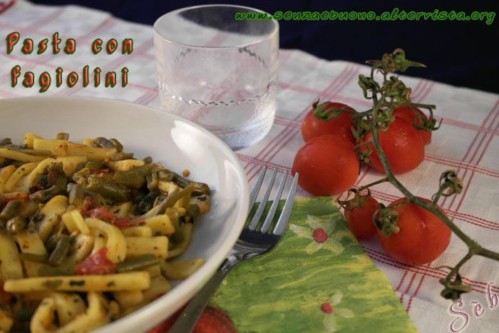 Pasta con fagiolini al profumo di basilico