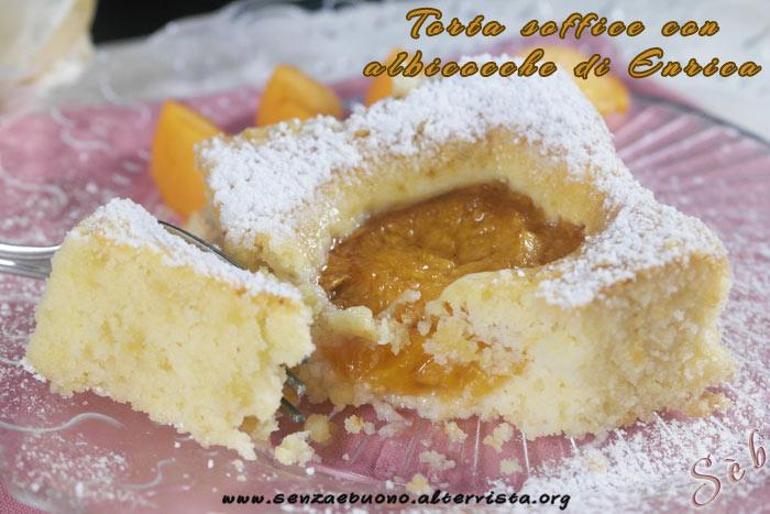 Torta soffice con albicocche di Enrica