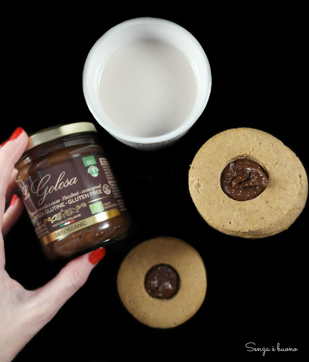 Biscotti farciti con crema di nocciole e cacao Probios