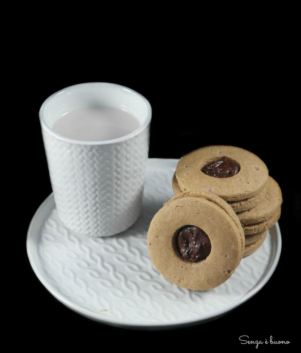 Biscotti con nocciole e farina di castagne vegan senza glutine