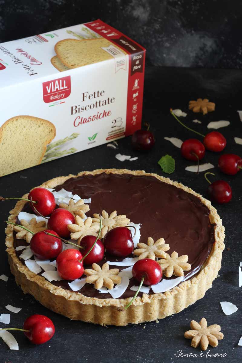 organizzare un picnic: ricetta crostata senza glutine cioccolato ciliegie cocco