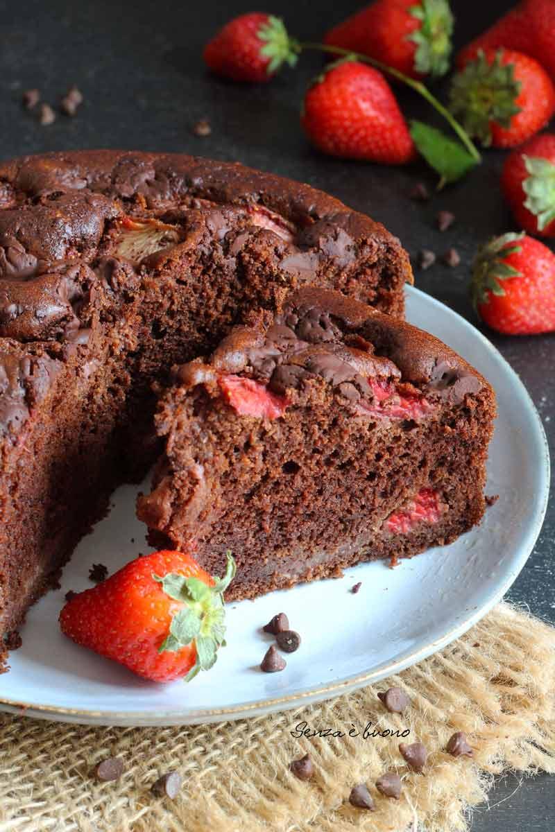 colazione senza glutine? Prova la torta fragole e cioccolato con farine naturali