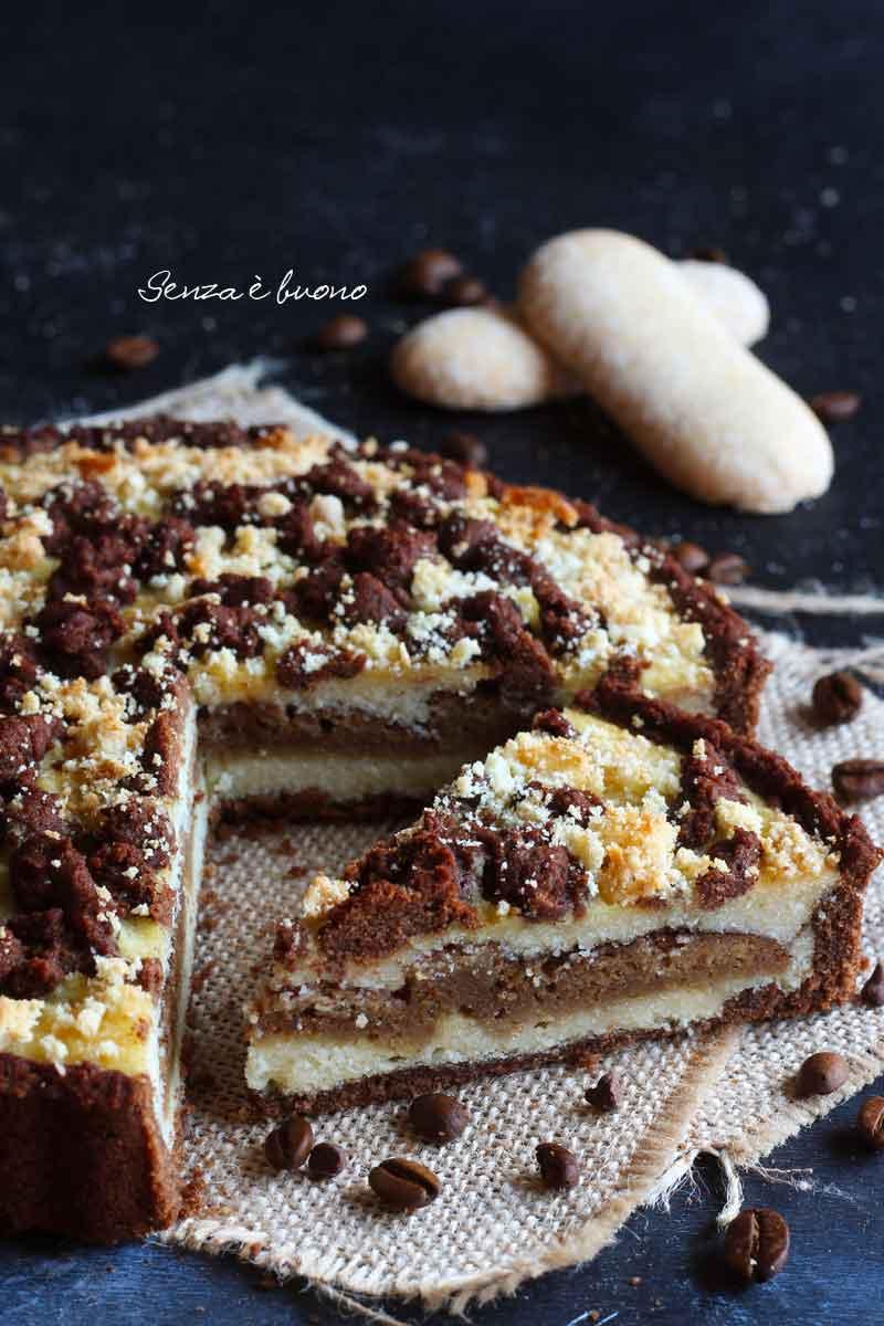 crostata ripiena di crema di ricotta di mandorle senza glutine