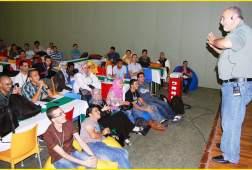 الدكتور فائق عويس، مسؤول قسم اللغة العربية والتعريب
