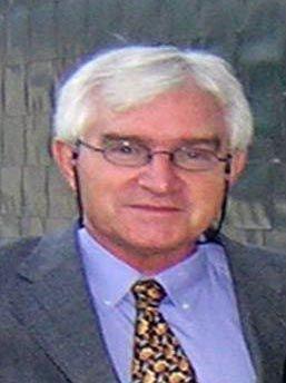 Dr. Víctor Pérez Candela