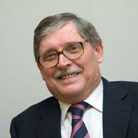Dr. D. Valentín Ruíz Caballero