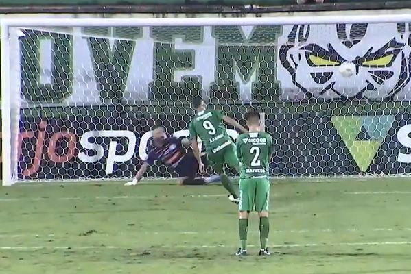98th minute Panenka penalty clinches title for Chapecoense on goals scored